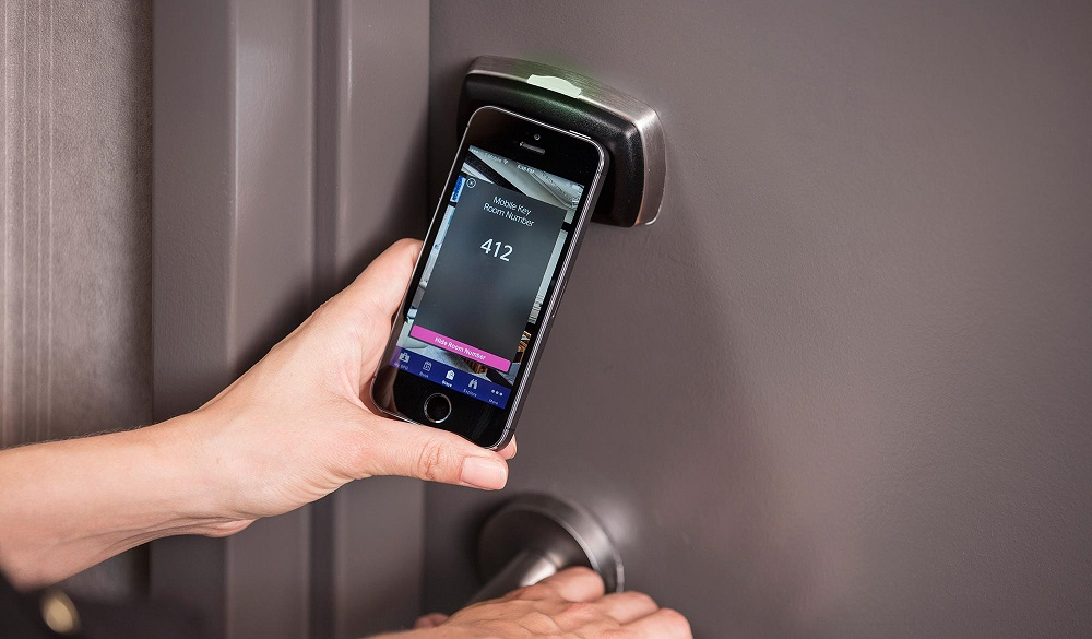 System otwierania drzwi stosowany w hotelach Starwood